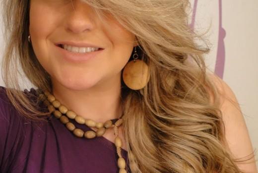 Como fazer cachos soltos nos cabelos por Alice Salazar