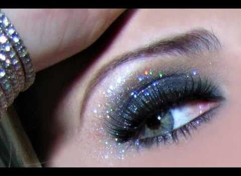 Como fazer Maquiagem Preta com Glitter