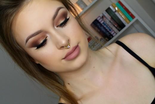 Dica de Maquiagem Dourada Esfumada e Lábios Nude