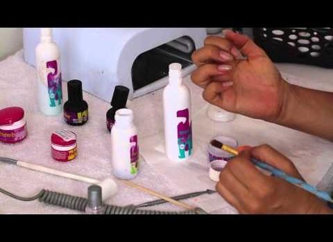 Manutenção de Unhas de Porcelana Pontudas e Gel de Cor UV