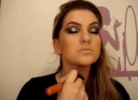Maquiagem azul para a noite por Alice Salazar – Parte 2