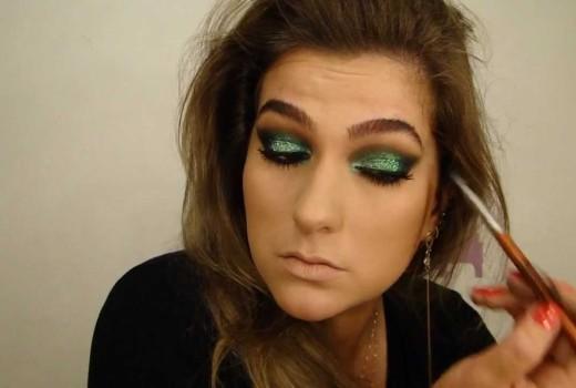 Maquiagem brilhante para as noites de verão por Alice Salazar