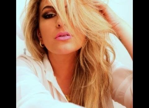 Maquiagem com o Glitter Brilhe! da linha Alice Salazar