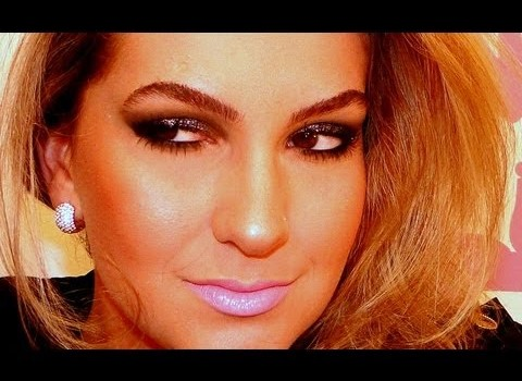 Maquiagem escura para festa por Alice Salazar