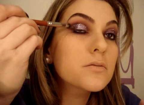 Maquiagem roxa para a noite por Alice Salazar – Parte 1