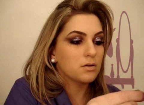 Maquiagem roxa para a noite por Alice Salazar – Parte 2