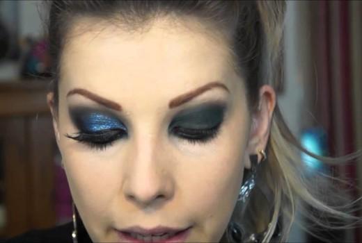Passo a Passo de Maquiagem Azul Glitterinado