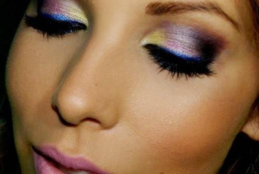 Passo a Passo de Maquiagem Colorida para Ano Novo