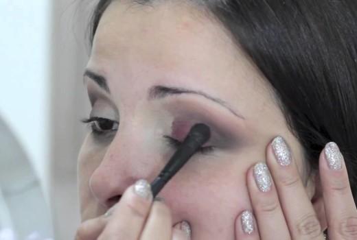 Passo a Passo de Maquiagem com Brilho