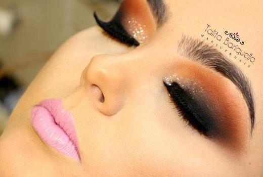 Tutorial de Maquiagem com Esfumado Chanfrado