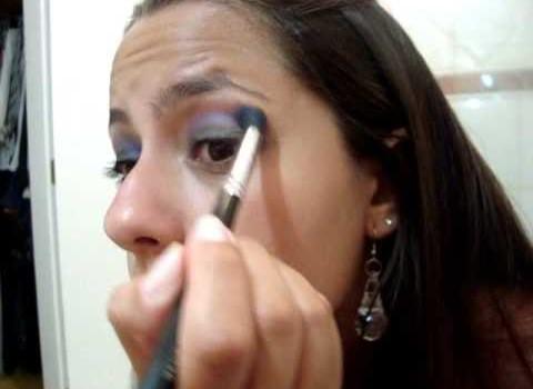 Tutorial de Maquiagem com Roxo Esfumado