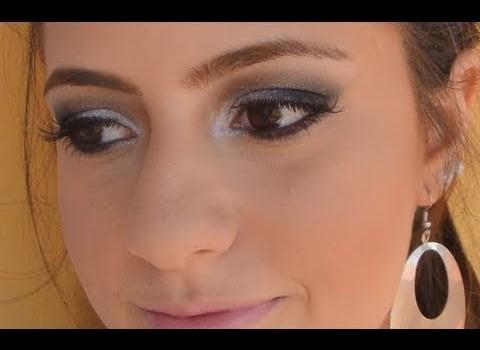 Tutorial de Maquiagem para Rainha da Bateria