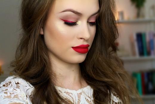 Maquiagem para Natal com o clássico vermelho e dourado